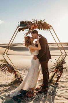 rust wedding color ceremony altar with geometry flower altar wolf wildflower #wedding #weddings #weddingcolors #dpf #fallwedding #rusticweddings