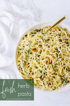 Deliciously flavorful, you won't believe how easy this herb pasta is to make! It comes together in a matter of minutes. Easy Family Meals, Quick Easy Meals, Easy Pasta Recipes, Cooking Recipes, Delicious Dinner Recipes, Lunch Snacks, Pasta Dishes, Rice Dishes, How To Cook Pasta