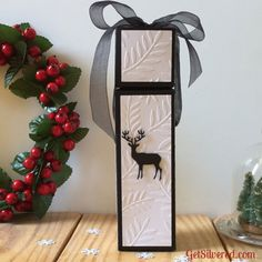 Tall elegant gift box with pop up lid. Perfect for small gifts like a few chocolates or makeup. Free Cutting Files included for Silhouette Studio and SVG Foam Crafts, Paper Crafts, Paper Art, Paper Toys, Toy Craft, Craft Gifts, Origami Templates, Box Templates, Silhouette Cameo