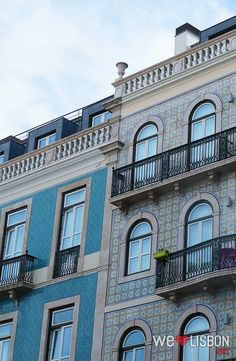 Colorfull façades in Lisbon