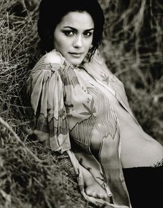 Shannyn Sossamon Isn't Too. is listed (or ranked) 4 on the list The Hottest Shannyn Sossamon Photos Pretty People, Beautiful People, Beautiful Females, Hello Beautiful, Beautiful Celebrities, Gorgeous Women, Shannyn Sossamon, Celebrity Photography, Artists And Models