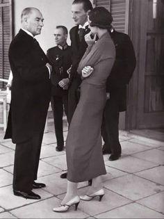 90 Yıl önce, tercümansız Uluslararası bir görüşme. Gustav Adolf, Blond, Turkey History, Bridesmaid Dresses, Wedding Dresses, Social Platform, Blue Eyes, Loafers Men, Ankara