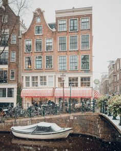 Amsterdam in Winter: My Favorite Things To Do - Find Us Lost Amsterdam Travel Guide, Day Trips From Amsterdam, Visit Amsterdam, Amsterdam Winter, Amsterdam Christmas, Amsterdam Canals, Amsterdam Netherlands, Amsterdam Restaurant, Outdoor Ice Skating