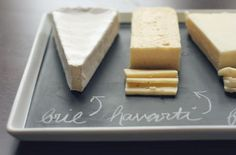 Whit and Whistle DIY chalkboard platter. http://witandwhistle.com/2011/12/21/diy-chalkboard-serving-platter/