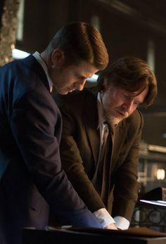 Gotham 1x15 - Gordon & Bullock