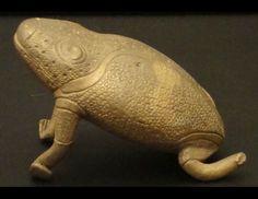 West-African Brass Toad #609 | Figures | Metal — Deco Art Africa - Decorative African Art - Ethnic Tribal Art - Art Deco