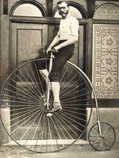Resultat av Googles bildsökning efter http://blushingstrawberries.files.wordpress.com/2011/05/1279284358-old-fashioned-bicycle.jpg