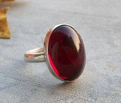 Bezel ring - Garnet Ring - Cabochon ring - January birthstone - Vintage jewel ring - Glass ring - Valentines gift idea on Etsy, $63.17 CAD