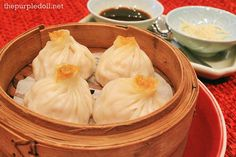 Shanghai-style steamed pork and crab meat dumpling Xiaolongbao Filipino Dishes, Filipino Recipes, Asian Recipes, Filipino Food, Photographs And Memories, Philippines Food, Pinoy Food, Crab Meat, Chinese Restaurant