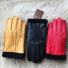 Mens deerskin leather gloves featuring 3 handsewn point detail and it is lined…