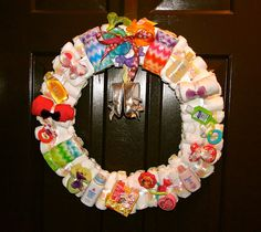 Diaper Wreath.....love love love this!!!!! Great DIY tutorial on how to make this adorable wreath!