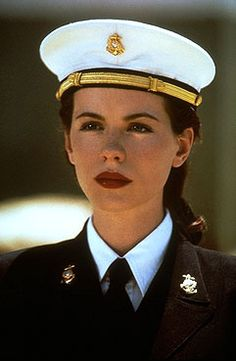 kate beckinsale in pearl harbor...i wish i looked like her!!