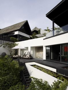 Awesome Modern Thai Terrace Outdoor Lounge.