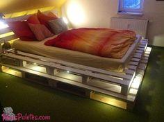 Camas feitas de pallets com iluminação(4)