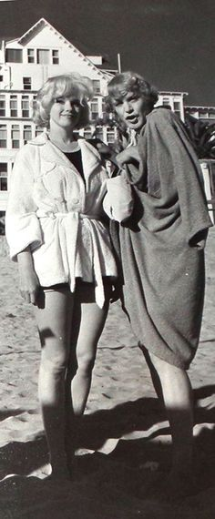 Marilyn Monroe and Jack Lemmon on the set of Some Like It Hot, 1958.