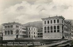 Instituto Central Pedagógico para Señoritas. Av Chile con carrera 11 en Bogotá, hacia 1950. Chile, Louvre, Building, Travel, Antique Photos, Racing, Viajes, Buildings, Destinations