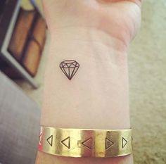 geometrik elmas bilek dövmeleri geometric diamond wrist tattoos