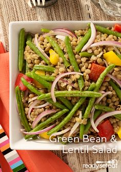 A colorful green bean salad with lentils, red & yellow bell peppers and red onion tossed in a red wine vinaigrette. Green Bean Salads, Green Bean Recipes, Green Beans, Easy Salad Recipes, Easy Salads, Healthy Recipes, Lentil Salad, Vegetable Sides, Side Dishes Easy