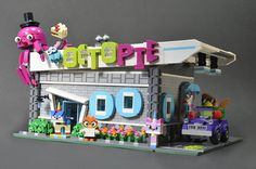I built this for a promotional project through Lego to welcome the new Unikitty TV show. Lego Construction, Toys, Projects, Activity Toys, Log Projects, Blue Prints, Clearance Toys, Gaming, Games
