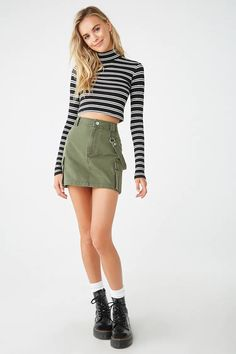 Forever 21 is the authority on fashion & the go-to retailer for the latest trends, styles & the hottest deals. Shop dresses, tops, tees, leggings & more! Cute Girl Outfits, Pretty Outfits, Cool Outfits, Casual Outfits, Fashion Outfits, Emo Fashion, Mini Skirt Dress, Mini Skirts, Mini Dresses