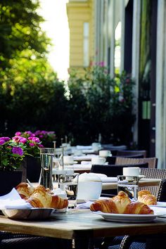 Best cafes and bakeries in Berlin #viventeconnect
