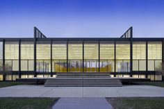 Restauracion Mies van der Rohe IIT Crown Hall / Krueck + Sexton Architects