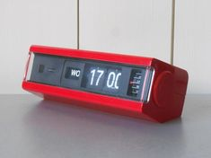 Vintage COPAL Flip Clock Alarm with Days . Made in Japan. Home Decor. Raspberry Pi Projects, Small Case, Digital Clocks, Flip Clock, Cool Watches, 1970s, Retro Vintage, Space Age, Conditioner