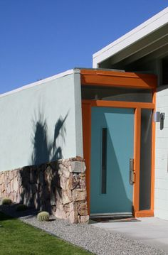 Crestview Doors - Lisa and Steves Inviting Mid-Century Modern Vacation Home - Case Studies - Browse