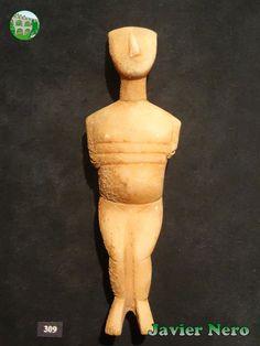 El abdomen hinchado bien puede indicar embarazo. Tipo canónico, variedad Spedos. Museo del Arte Cicládico, Atenas.