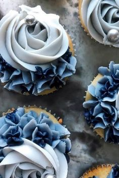 Totally Unique Wedding Cupcake Ideas ★ unique wedding cupcake ides blue with silver bead merri. Blue Wedding Cupcakes, Silver Cupcakes, Rustic Cupcakes, Vegan Wedding Cake, Floral Cupcakes, Wedding Desserts, Wedding Shower Cupcakes, Cupcakes Design, Cake Designs