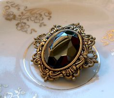 Vintage Hematite Jewel Brooch, Black Hematite Faceted Glass Brooch, Vintage Jewelry, Victorian Style Jewelry, Black Pin Brooch, Gothic