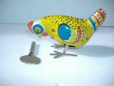 Metal Chicken, Chicken Toys, Childhood Memories 90s, Back In The Ussr, Old Clocks, Tin Toys, Retro Toys, Rubber Duck, Vintage Dolls