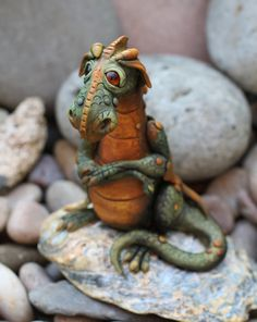 Dragon sculpture by Feythcrafts on Etsy