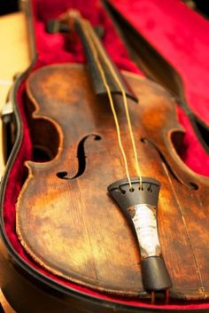 """Titanic violin"" on display in museums in Branson, Missouri & Pigeon Forge in Tennessee"