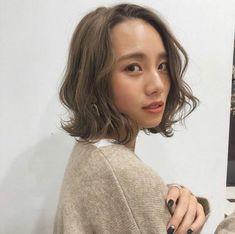 髪の量が多い人に似合うボブ|ヘアカタログLALA [ララ] Korean Haircut, Hair Arrange, Japanese Hairstyle, Hair Images, Asia Girl, Perm, Blue Hair, Hair Inspo, Hair Goals