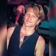 Jon Bon Jovi, Bon Jovi 80s, Most Beautiful Man, Gorgeous Men, Elvis Presley, Bon Jovi Pictures, Dorothea Hurley, Bon Jovi Always, Famous Celebrities