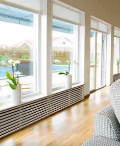 I like the horizontal slats: Radiator covering window en wit schilderen kozijnen