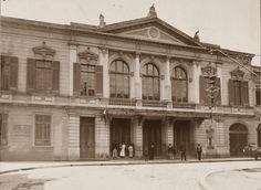 1912 - O Theatro Santana surgiu por sobre o terreno do antigo Teatro Apolo, comprado e ao qual se juntaram os terrenos de algumas casas laterais. Aberto ao público em 1900, com grande luxo, era iluminado com luz elétrica e a gás, com entradas separadas para artistas e público. Em 12 de janeiro de 1912, o prédio foi vendido ao governo para a construção do Viaduto Boa Vista.