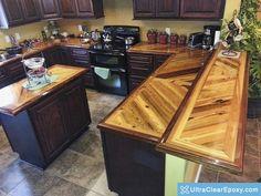 epoxy countertop Worktops made of epoxy resin Pallet Countertop, Epoxy Resin Countertop, Wooden Countertops, Clear Epoxy Resin, Countertop Materials, Kitchen Countertops, Kitchen Cabinets, Kitchen Shelves, Kitchen Island