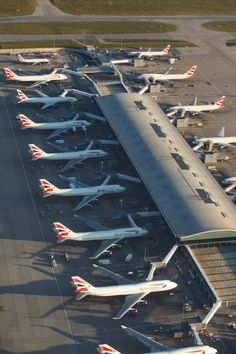 Almost all Boeing two and an Airbus British Airways. Airport Design, All Airlines, Aircraft Interiors, Aviation Industry, Heathrow Airport, Commercial Aircraft, Civil Aviation, British Airways, Boeing 747