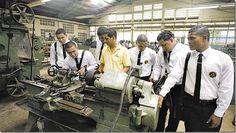 Panamá anuncia nuevo centro de estudios para adecuarse a demanda laboral http://www.inmigrantesenpanama.com/2015/09/09/panama-anuncia-nuevo-centro-de-estudios-para-adecuarse-a-demanda-laboral/