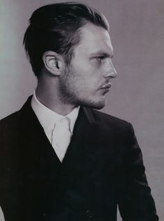 michael pitt...I love Jimmy with short hair...