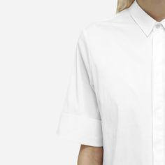 Hemd aus leichtem Gewebe mit Hemdblusenkragen: http://sturbock.me/portfolio/hemd-29/