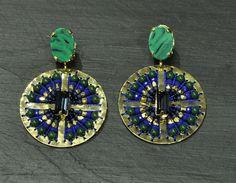 Brincos com pérolas japonesas verdes e azuis: PEDRA DURA (49€) ✓
