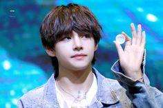 180603•#방탄소년단 #BTS #V #Hongdae fansign