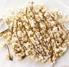 Browned Butter Snickerdoodle Popcorn - i heart eating Sweet Popcorn, Popcorn Snacks, Flavored Popcorn, Gourmet Popcorn, No Bake Snacks, Popcorn Recipes, Snack Recipes, Dessert Recipes, Free Recipes