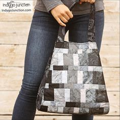 The Tribeca Tote – A Modern Seminole Patchwork Bag A sewing pattern from Indygo Junction Seminole Patchwork, Baby Patchwork Quilt, Patchwork Quilt Patterns, Bag Patterns To Sew, Tote Pattern, Sewing Patterns, Quilting Patterns, Quilting Ideas, Sewing Ideas