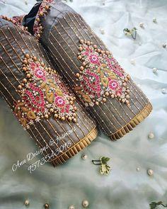 #salwarsuit #salwarsuits #SalwarSuitOnline #salwarsuitmaterial #salwarsuitspartywear #salwarsuitneckdesigns Wedding Saree Blouse Designs, Pattu Saree Blouse Designs, Fancy Blouse Designs, Blouse For Silk Saree, Stylish Blouse Design, Tops, Latest Maggam Work Blouses, Magam Work Blouses, Skirt Patterns