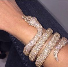 Shared by Find pictures and videos about luxury, gold . - Shared by Find pictures and videos on luxury, gold and … – Shared by - Cute Jewelry, Body Jewelry, Jewelry Accessories, Druzy Jewelry, Silver Jewellery, Boujee Aesthetic, Bad Girl Aesthetic, Grillz, Glitz And Glam