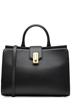 Smooth+leather+and+sleek+lines+make+this+black+tote+a+chic+investment+from+Marc+Jacobs.+Shining+metallic+hardware+adds+ladylike+refinement,+while+a+shoulder+strap+promises+to+keep+it+practical+no+matter+where+you+take+it+#Stylebop